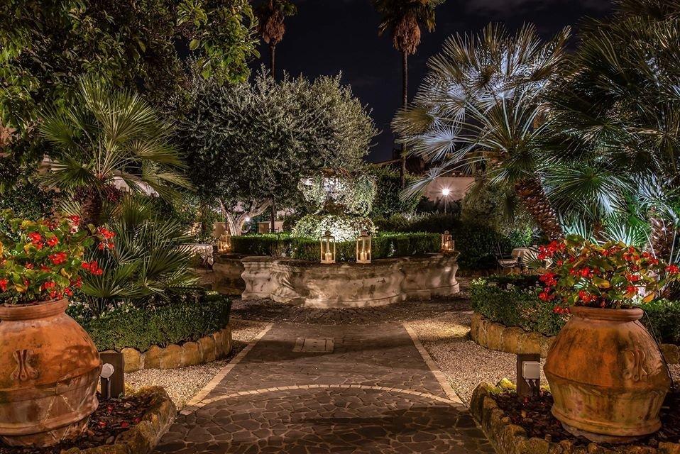 Renaissance garden and aperitif