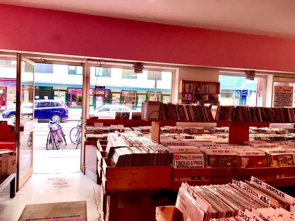 Vinyl & CD Market