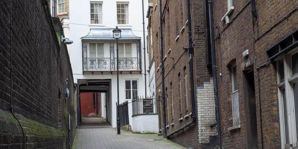 Dickens around the Strand Virtual Tour